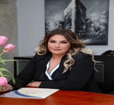 Image of Mariam Kavukchyan Glendale California at Professional Organization of Women of Excellence Recognized